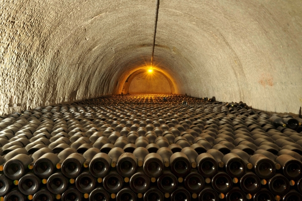 Cellar ageing at the heart of the Champagne chalk